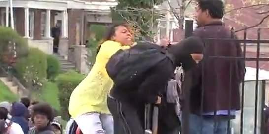 Madre buscó a su hijo en protestas de Baltimore para reprenderlo
