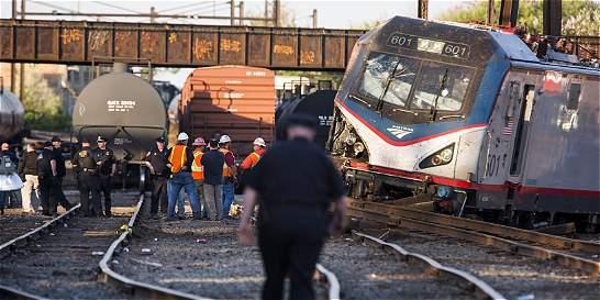 Descarrilamiento de un tren cerca de Filadelfia deja seis muertos