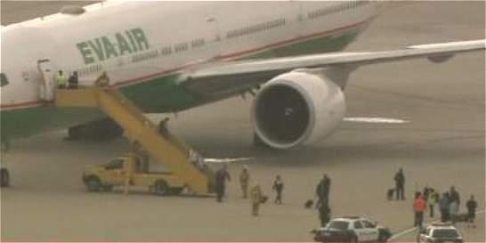 Amenaza de bomba en avión alerta a aeropuerto de Los Ángeles