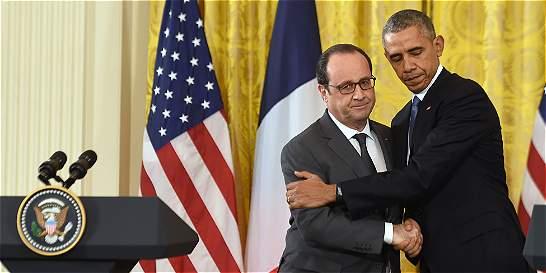 Obama y Hollande intensificarán sus bombardeos en Siria