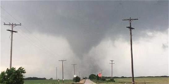 Aumenta a 25 el número de muertos por tormentas y tornados en EE. UU.
