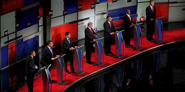 A Trump y Cruz los acompañaron el senador de origen cubano Marco Rubio, el neurocirujano Ben Carson, el gobernador Chris Christie, el exgobernador Jeb Bush y el gobernador John Kasich.