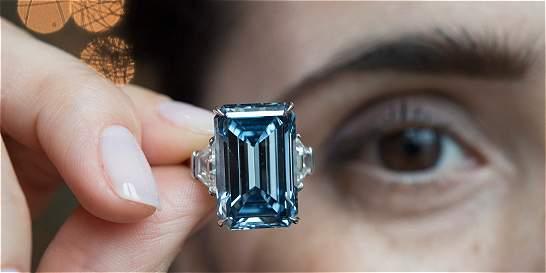 Subastan diamante azul 'Oppenheimer Blue' en $US 50,6 millones