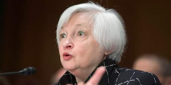 Reserva Federal de EE.UU. mantiene las tasas de interés