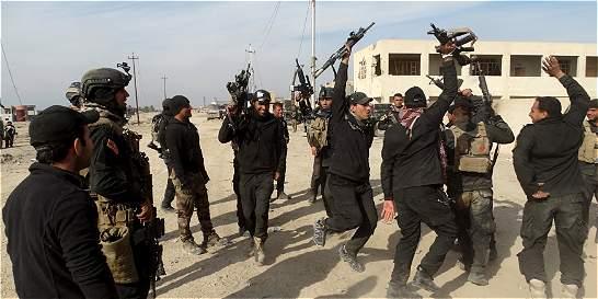 Grupo Estado Islámico anuncia que derribó un avión del régimen sirio