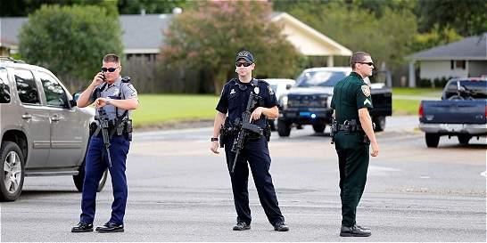 Muerte de tres policías en tiroteo es