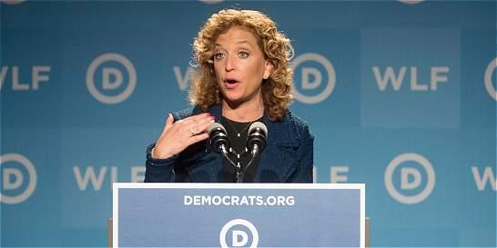 Comienza la convención demócrata con escándalo por correos filtrados