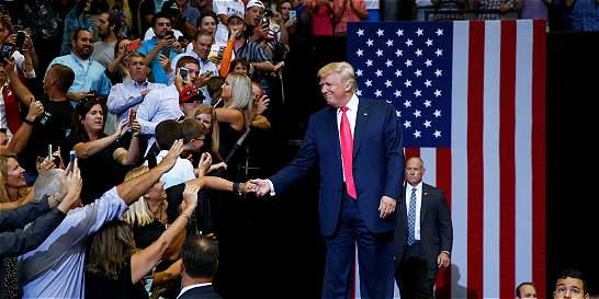 Más líderes republicanos se suben al bus de Hillary Clinton
