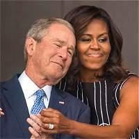 La foto del abrazo de Michelle Obama a George Bush