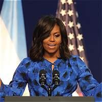 Michelle Obama llama a decir 'basta' al trato de Trump a mujeres