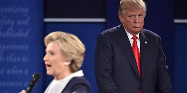 La demócrata Hillary Clinton acusó a su rival republicano en la carrera por la Casa Blanca, Donald Trump, de