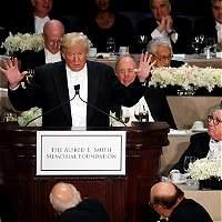 Clinton y Trump intercambian bromas fuertes en cena de caridad