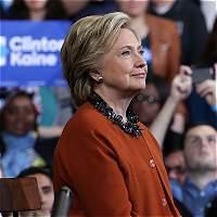 A días de la elección, FBI revisará más correos de Hillary Clinton