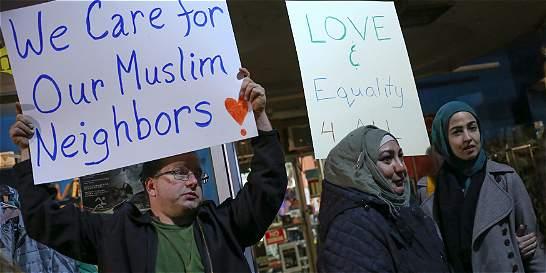 Equipo de Trump dice que no se hará registro de musulmanes en EE. UU.