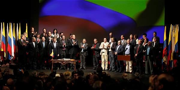 Uno de los momentos de la ceremonia de la firma del nuevo acuerdo de paz entre el Gobierno y las Farc.