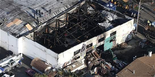 Suben a 36 los muertos por el incendio en concierto en Oakland