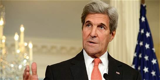 Los colonos israelíes ponen en riesgo la paz, dice Kerry