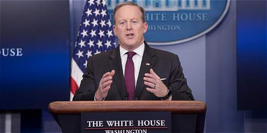 Vetan a 'CNN', 'NY Times' y 'Politico' en sesión de la Casa Blanca