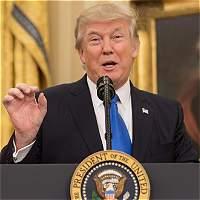 Apenas el 44 % de los estadounidenses aprueba la labor de Trump