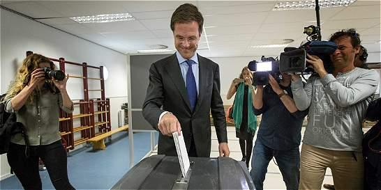 Holanda y el Reino Unido abren las elecciones europeas