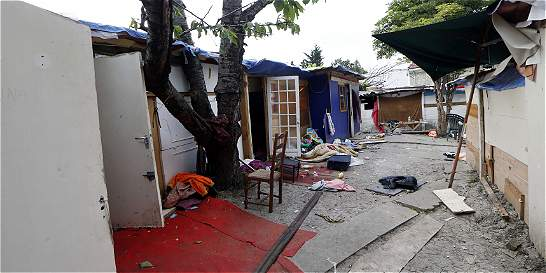 Brutal golpiza a adolescente gitano escandaliza a Francia