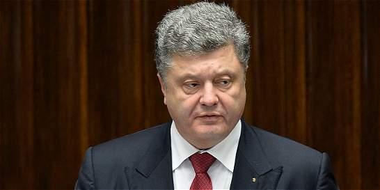 Ucrania da un paso hacia la OTAN en víspera de negociaciones de paz