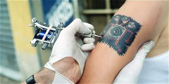 El sentido de los tatuajes en la Polinesia y Occidente