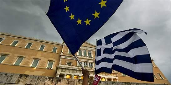 Grecia y Eurozona buscan salida a crisis, tras mora con el FMI