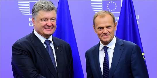 Poroshenko pide a la UE prolongar las sanciones contra Rusia