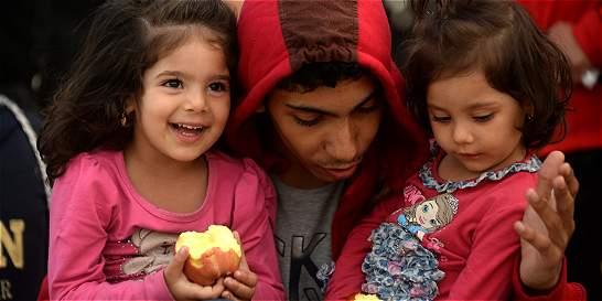 Comisión Europea pide a Estados miembros acoger a 120.000 refugiados