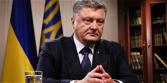 Presidente de Ucrania dice que el alto el fuego se cumple