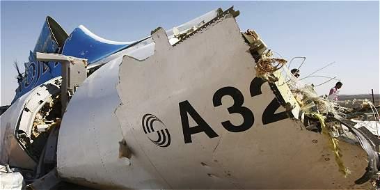 Cajas negras de avión ruso caído en Egipto sustentan teoría de bomba