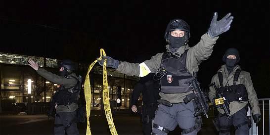 Afirman que no se han hallado explosivos en el estadio de Hannover