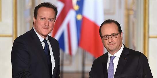 Cameron ofrece base a Francia para que ataque al grupo Estado Islámico