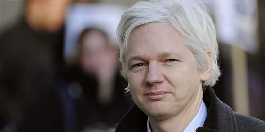 Suecia pide formalmente a Ecuador interrogar a Assange