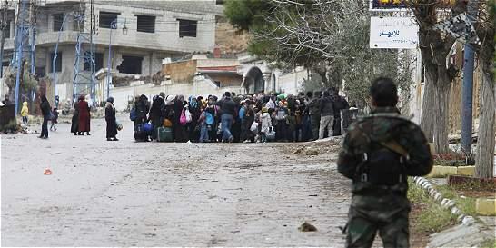 Rusia inicia operación para entregar ayuda humanitaria en Siria