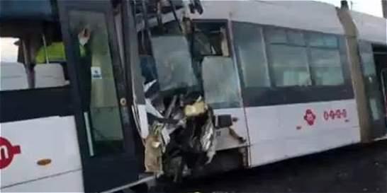 74 heridos por choque de trenes en Italia