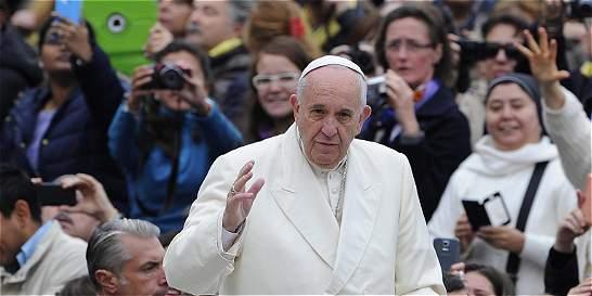 Papa admitirá mujeres en el rito del lavado de pies del Jueves Santo