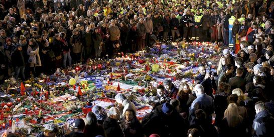 Número de víctimas en Bruselas baja a 32 tras completar identificación