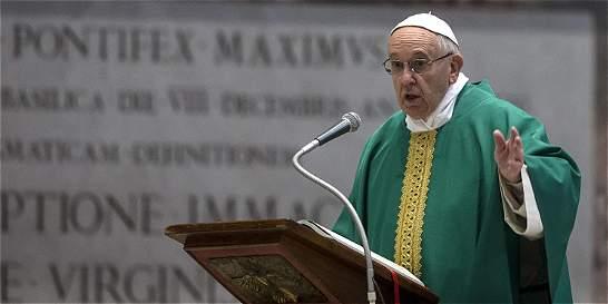 Francisco: El Papa twittero