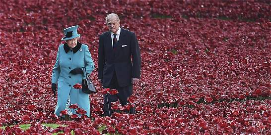 Isabel II: el arte de ser popular hasta los 90 años