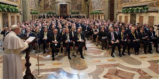 Papa Francisco cuestiona a Europa por la situación de los refugiados
