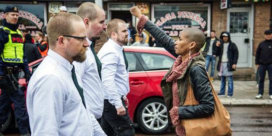 Habla la caleña que detuvo una marcha de neonazis en Borlänge, Suecia