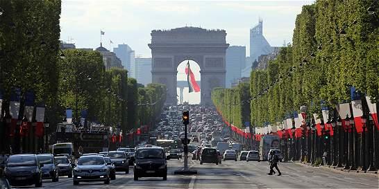 Seis meses después de los atentados, París espera repunte del turismo