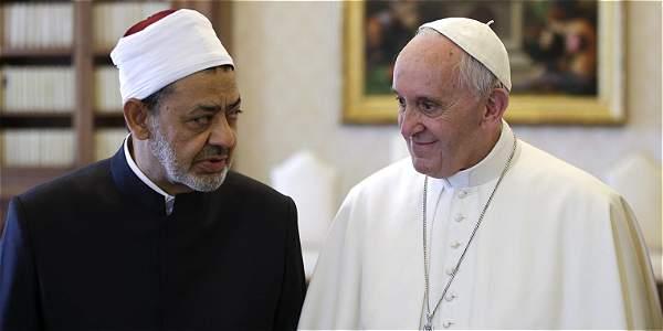 la histórica reunión de dos papas