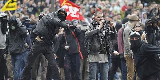 Francia, semiparalizada por las huelgas contra la reforma laboral