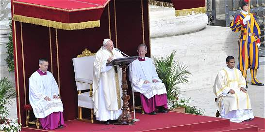 Papa aprueba expulsión de obispos negligentes en casos de pederastia