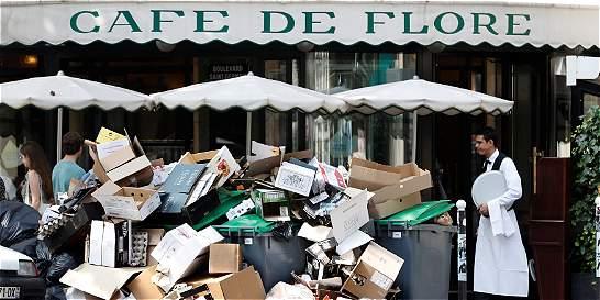 Francia se hunde en una crisis entre reformas, huelgas y fútbol