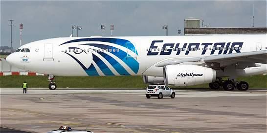 Encuentran una caja negra de avión de EgyptAir accidentado hace un mes