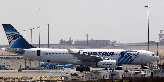 Averías en caja negra prolongan misterio del avión de Egyptair